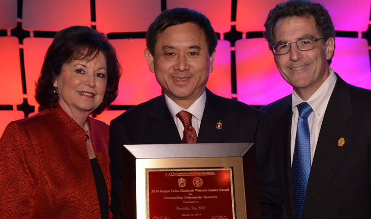 "Geisel Alumnus Receives ""Nobel Prize of Orthopaedic Research"""