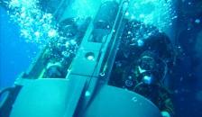 Holzer pilots mini-sub