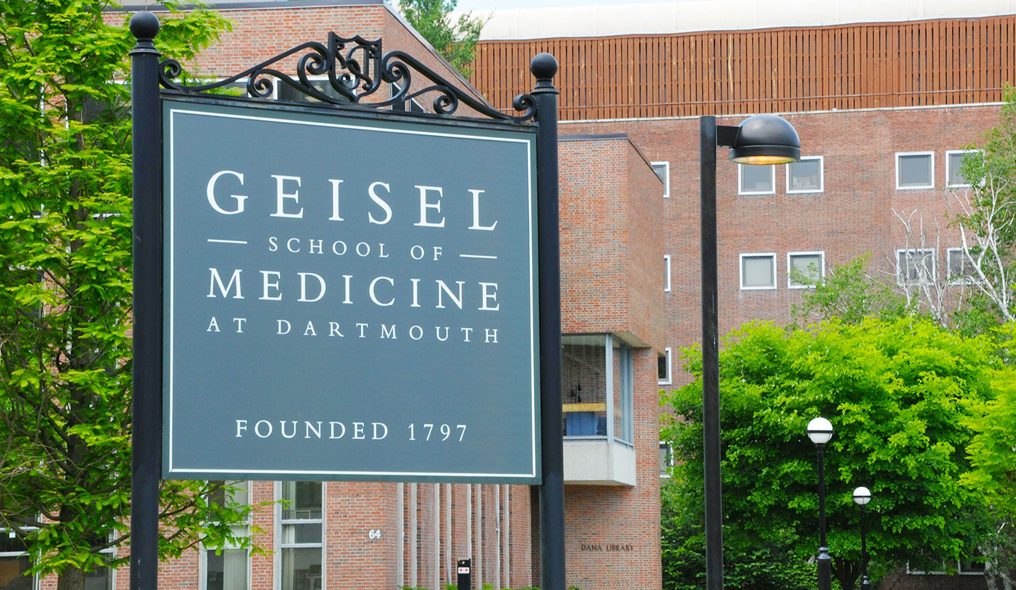 $37 Million Sets New Fundraising Record for Geisel School of Medicine
