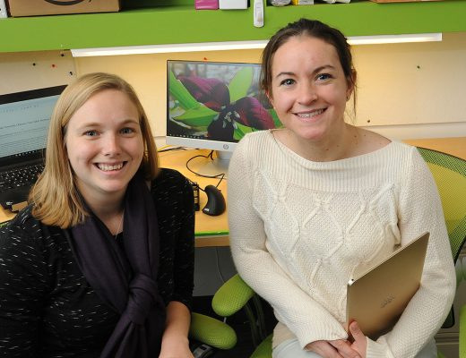 Heidi Chapman (left) and Riley Hampsch, both PhD candidates at Geisel, are recipients of 2017 Dartmouth SYNERGY/Celdara Medical High-Potential Entrepreneurs' Fellowships. (Photo by Jon Gilbert Fox)